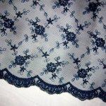 Сетка с шелковой вышивкой